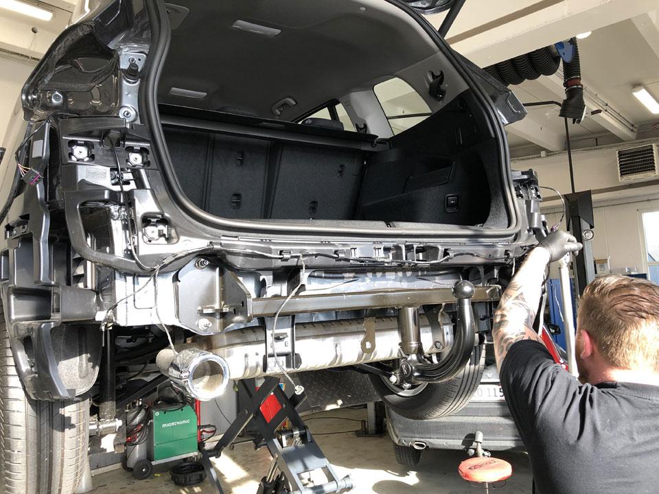 Montering af anhængertræk hos K2 Biler i Ballerup